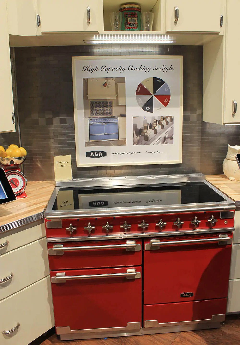 Kitchen Island With Seating On Both Sides Aga Colorful Ranges And A Retro Kitchen At Kbis - Retro