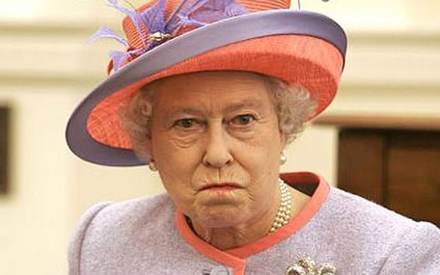 Queen of England: Left Eye Reptilian!