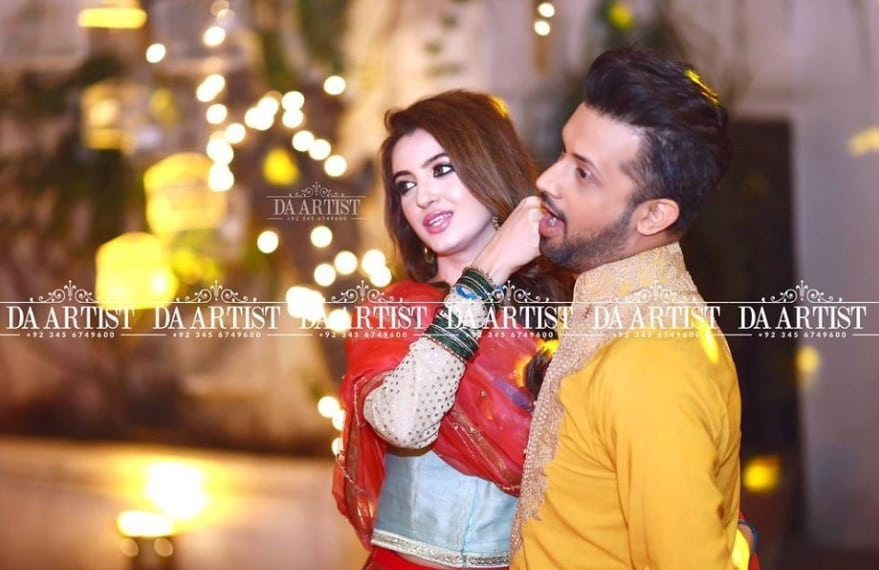 Cute Baby Attitude Wallpaper Latest Pictures Of Atif Aslam With His Wife Reviewit Pk