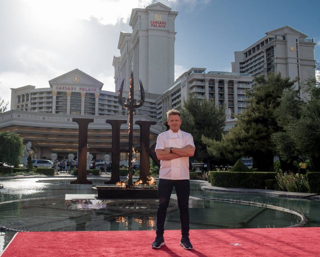 Canal Cocina Gordon Ramsay Hell S Kitchen Restaurant To Feature 2 Teams Separate Menus Las
