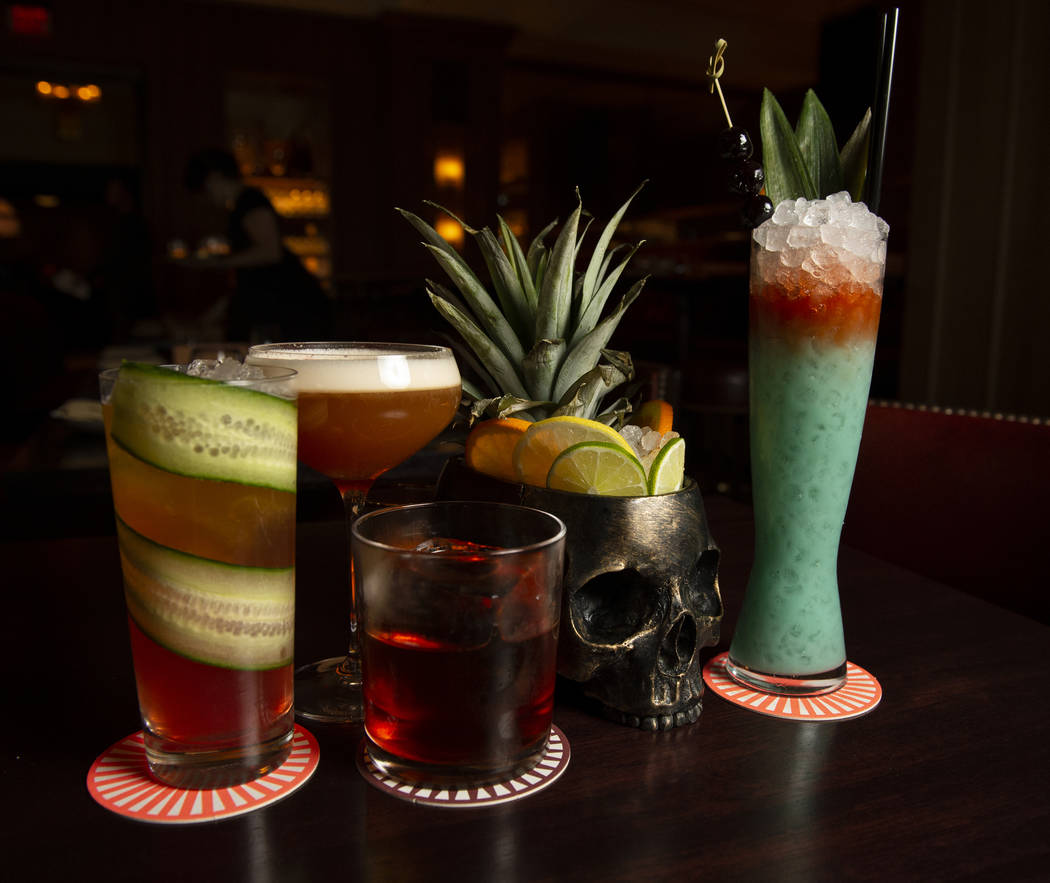 Nomad Restaurant Nomad Bar Brings Gritty New York Hipness To Las Vegas Strip Las