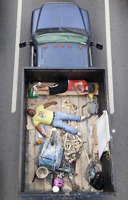 """De la serie """"Car poolers"""". © Alejandro Cartagena."""