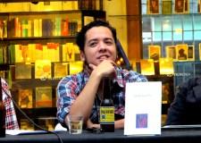 Toriz y su nuevo vástago en la librería poblana Profética.