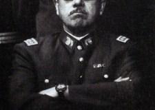 Tras el gesto adusto de Pinochet se escondía un complejo de inferioridad.