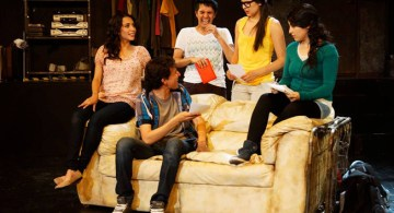 Cinco jóvenes... Foto © Ulises Ávila.