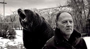 Werner Herzog durante el rodaje de Grizzly Man, en 2005.