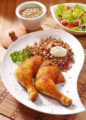 Hähnchenschenkel mit Linsen (für Diabetiker) Foto: Wirths PR