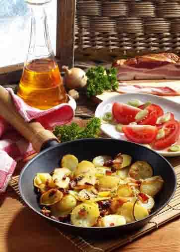 Kartofffelgerichte: Bratkartoffeln mit Speck Foto: Wirths PR