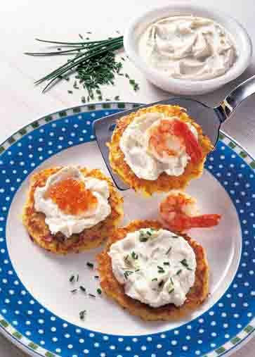 Kartofffelgerichte: Kartoffelpuffer mit Kräuter-Creme Foto: Wirths PR