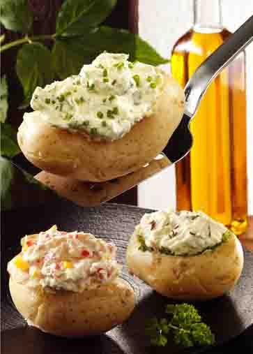 Kartoffelgerichte: Gefüllte Kartoffeln mit Kräuterquark Foto: Wirths PR