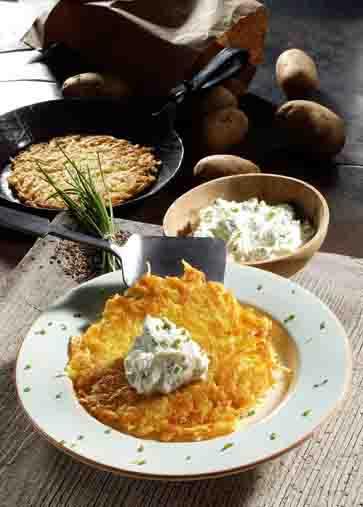 Kartoffelpuffer mit Schnittlauch-Quark (cholesterinarm) Foto: Wirths PR
