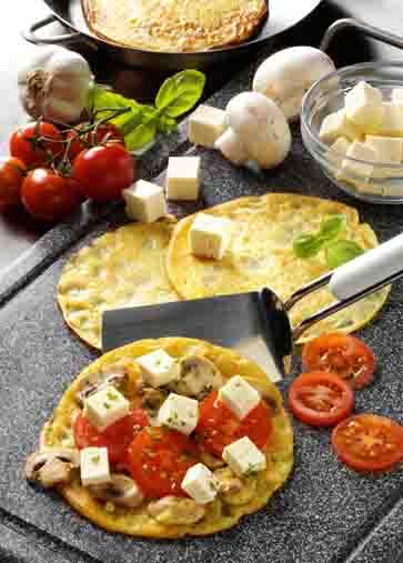 Pfannkuchen mit Champignons, Feta und Tomaten Foto: Wirths PR