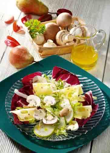 Pilzgerichte: Pilzsalat mit Emmentaler Foto: Wirths PR