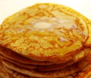 Süße Frühstücks-Erdnusscrêpes fast ohne Kohlenhydrate