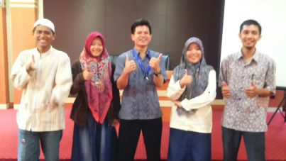 Bersama FLP Surabaya di Gerakan ITS Menulis
