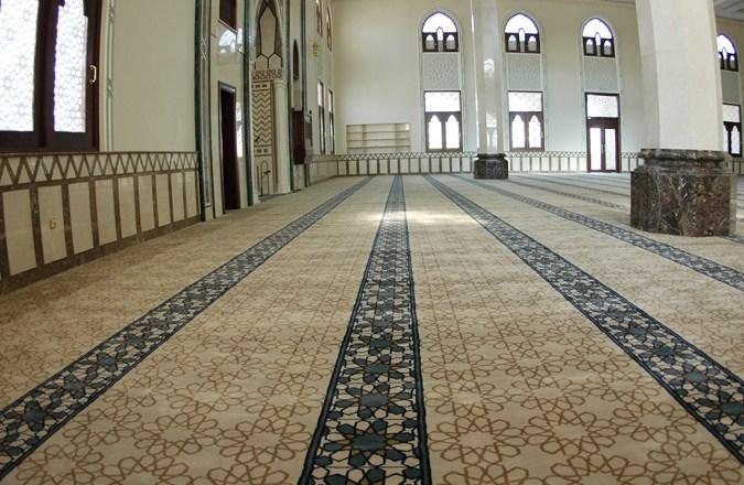 https://carpettilesdubai.com/mosque-carpets/