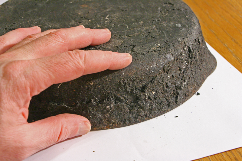 Cleaning Cast Iron With Fire! | Richard Gessford Blog