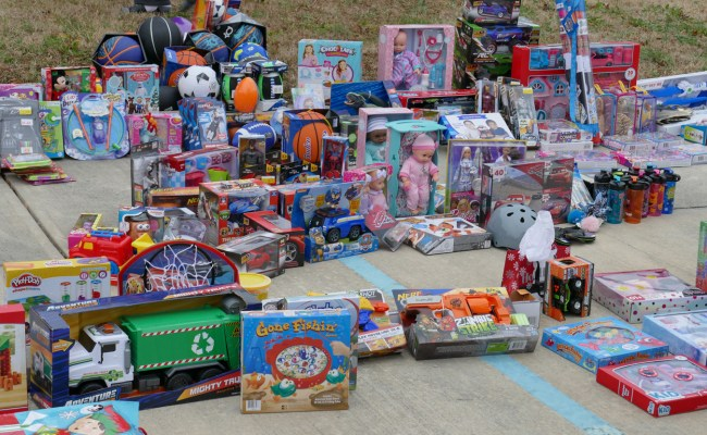 Free Christmas Toys For Community Bring Smiles