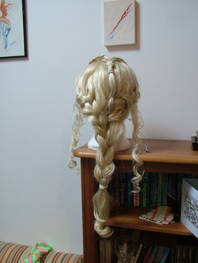 Daenerys wig from the back.