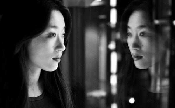 mirror-reflection-600x370