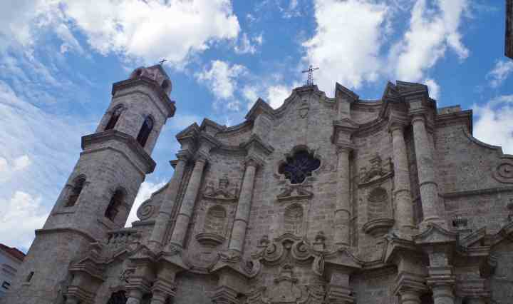 havana-walking-tour-cathedral-1