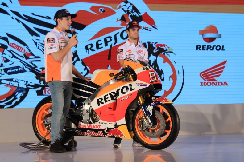 Marc Marquez dan Dani Pedrosa perkenalkan tim Repsol Honda MotoGP 2017 di Jakarta