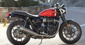 Triumph-Street-Twin-beauty-R