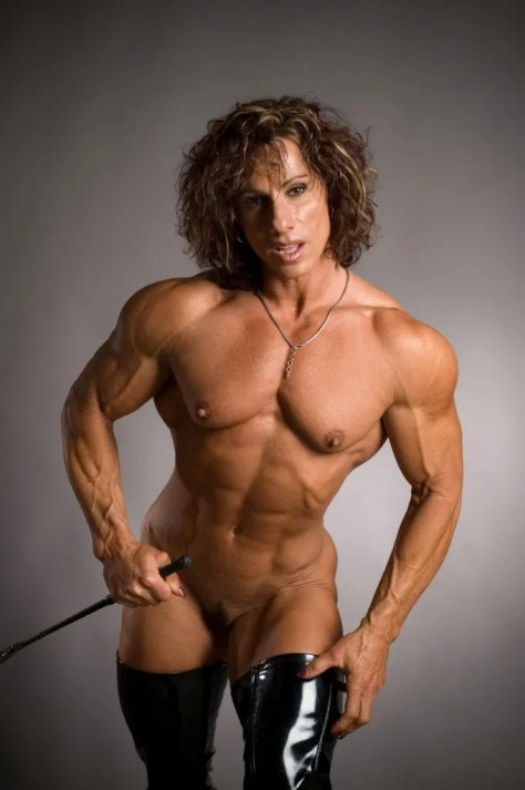 I would give anything for a muscle worship session with Annie Rivieccio...