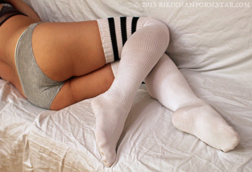 Pointed toes in socks fetish!