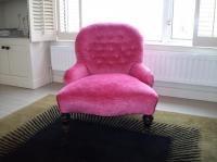 10 Funky Bedroom Accent Chair Ideas - Rilane
