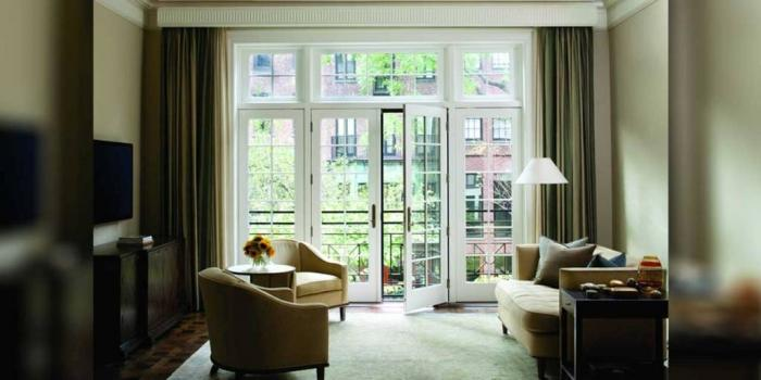 15 Cozy Living Rooms with French Doors and Windows