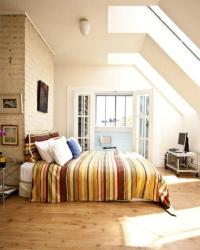 15 Charming and Breezy Bedroom Designs with Skylights - Rilane