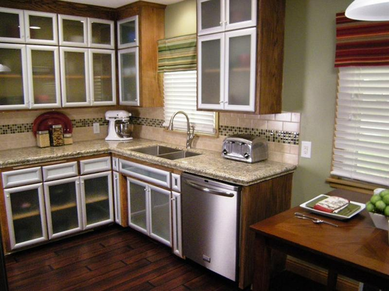 Small Kitchen Remodels- 12 Before and After Ideas - Rilane - kitchen makeover ideas