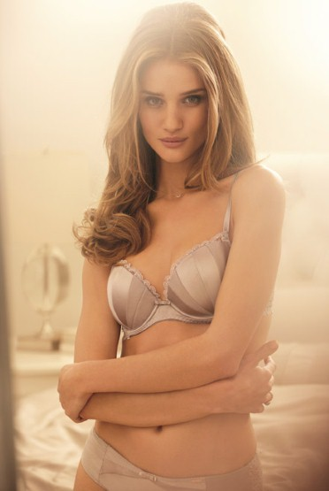 Pretty Girl Wallpaper Full Hd First Look At Rosie Huntington Whiteley S Marks Amp Spencer