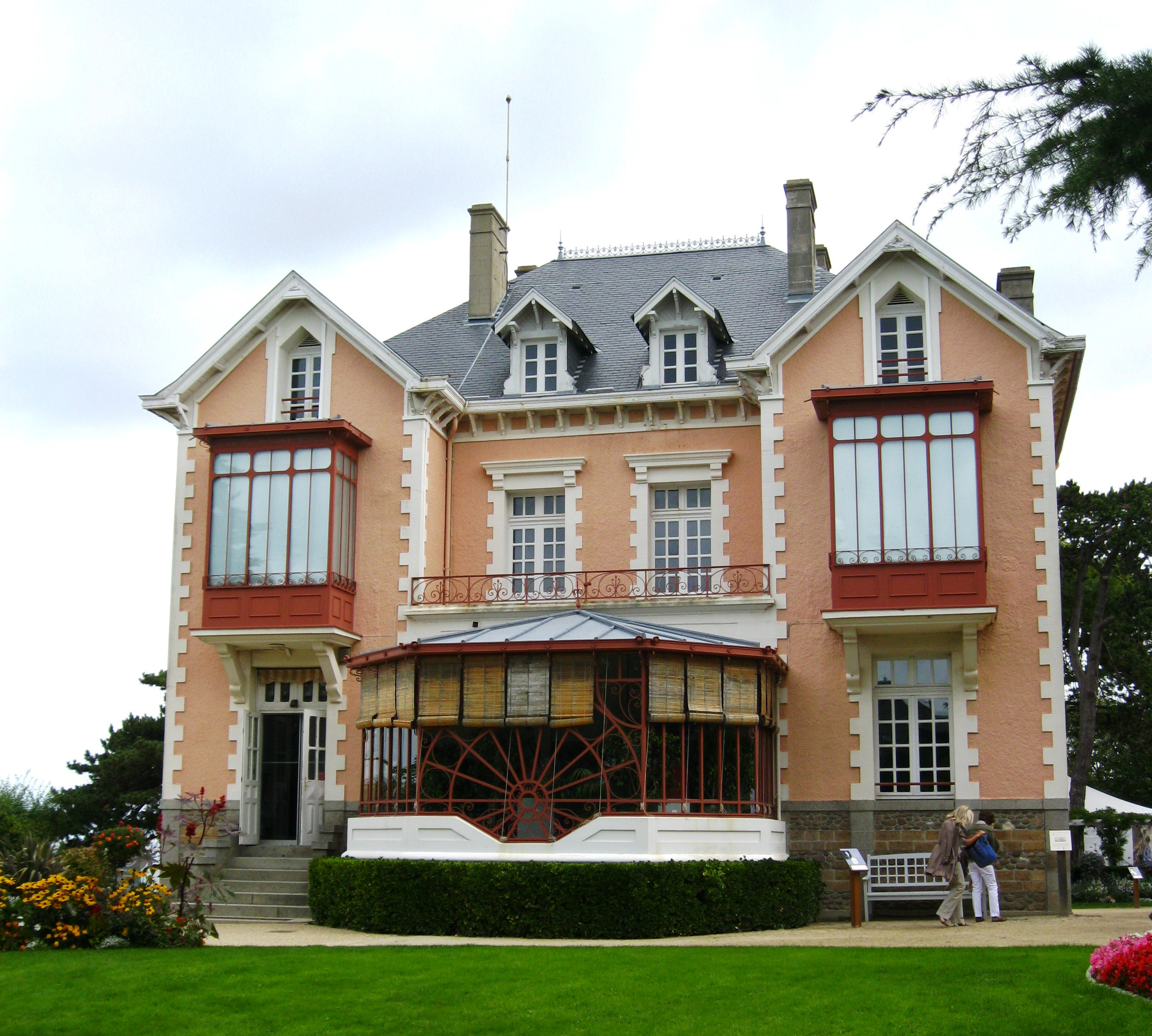 Jardin Dior Granville More On Christian Dior S Ball And His Childhood Home Ritournelle
