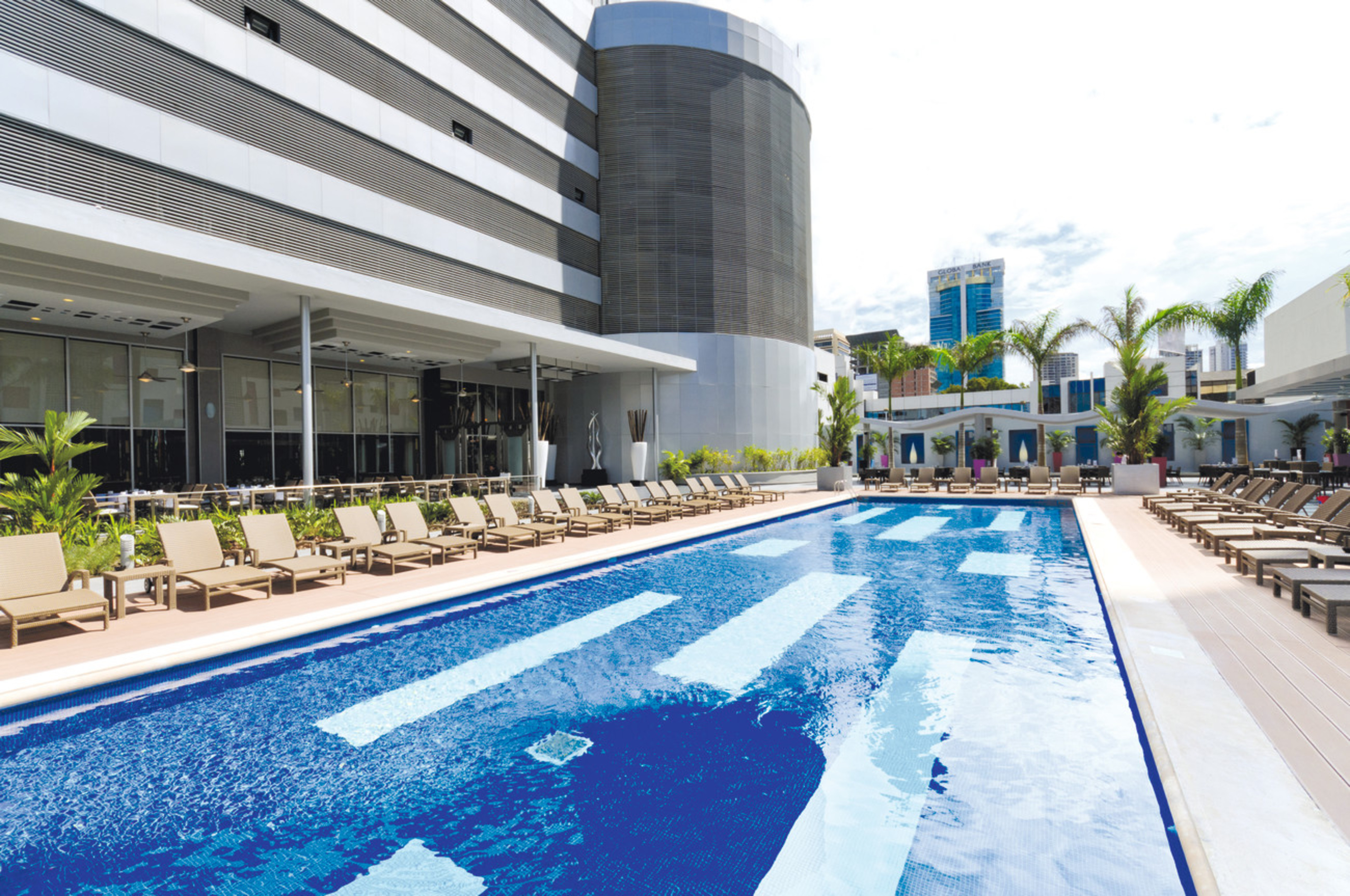 Hoteles Piscina The Hotel Riu Plaza Panama Has Everything You Need For A