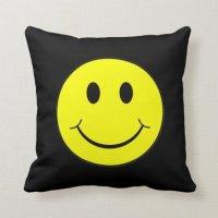 Smiley Face Throw Pillow | Zazzle.ca