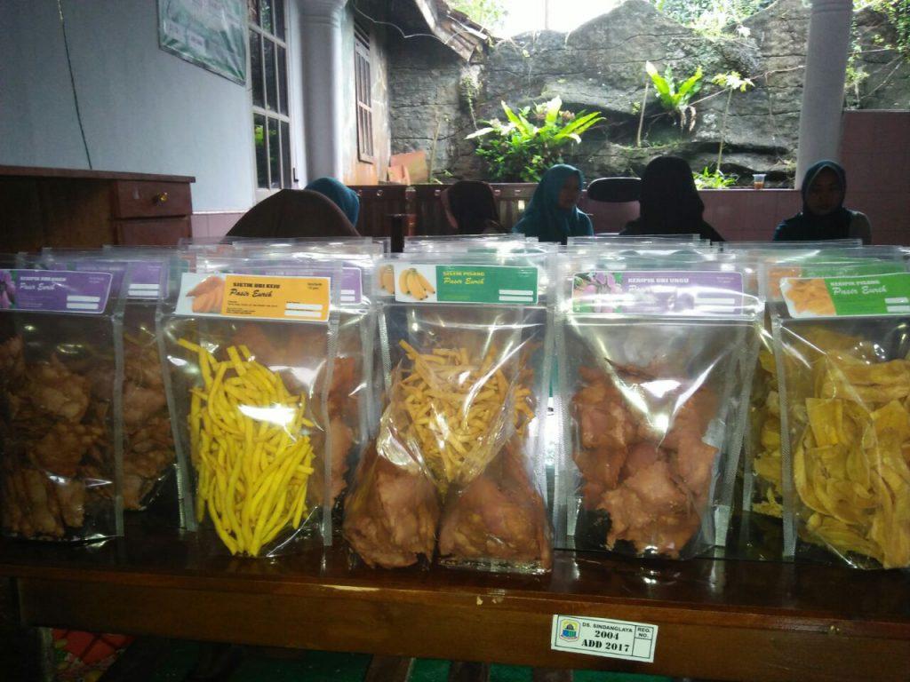 (Produk Pangan Lokal KWT Mandiri, foto: Wawat;2017)