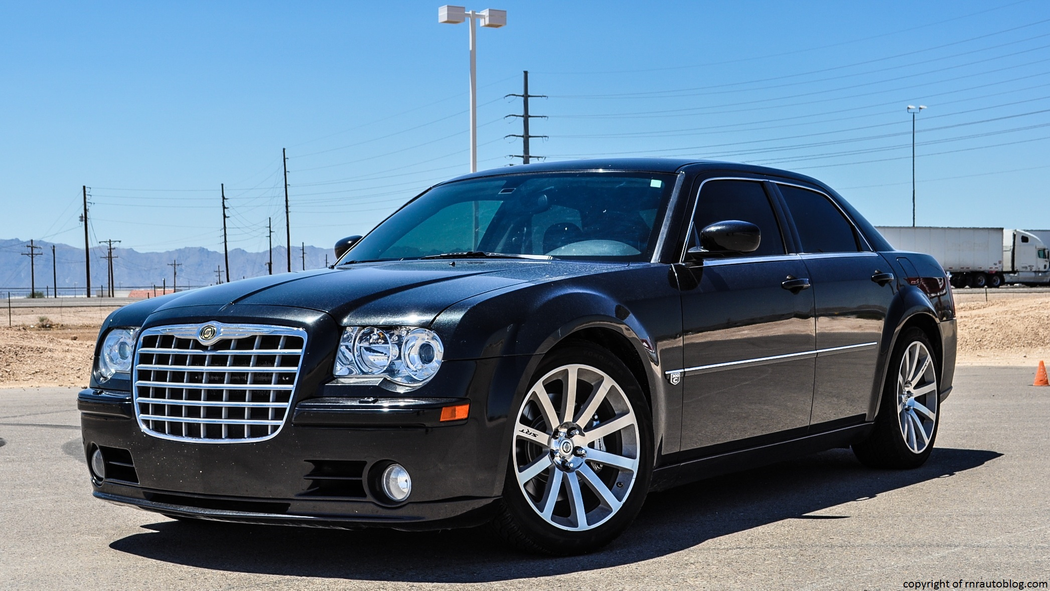 Car Lineup Wallpaper 2006 Chrysler 300 Srt8 Review Rnr Automotive Blog