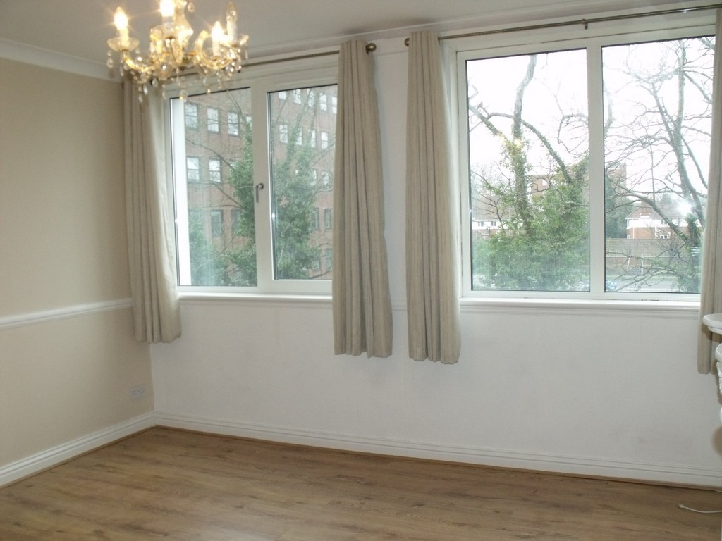 2 Bed Flat Bournemouth 2 Bedroom Flat Apartment To Rent In Flat 34 Westbourne Heights 2