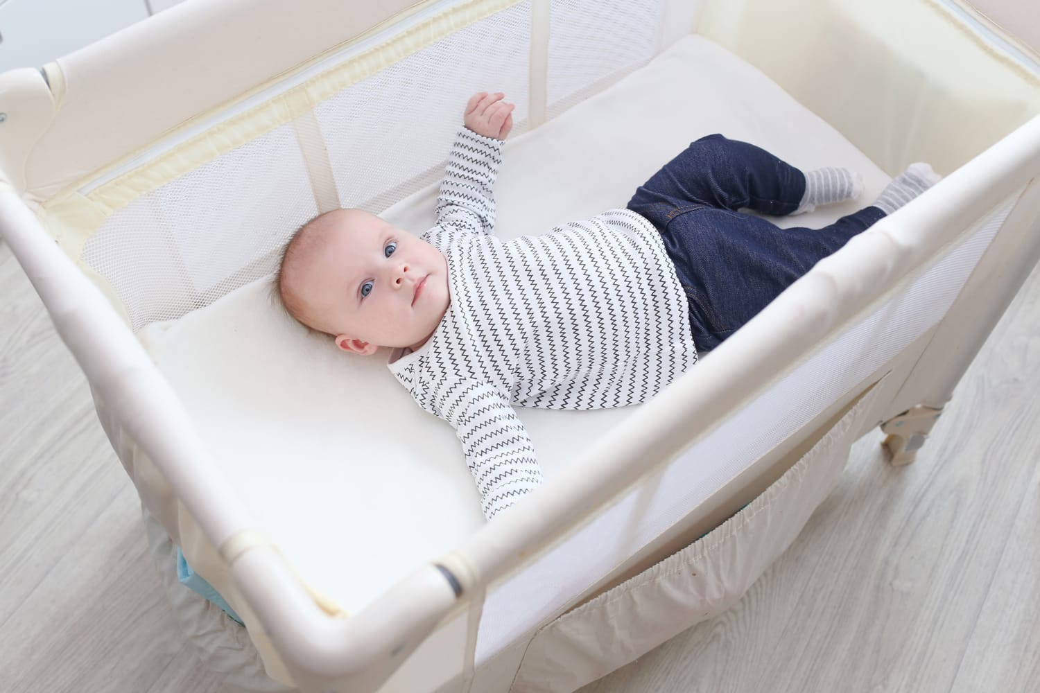 Newborn Bassinet Best 10 Best Travel Cribs For Babies Toddlers 2020 Road Affair