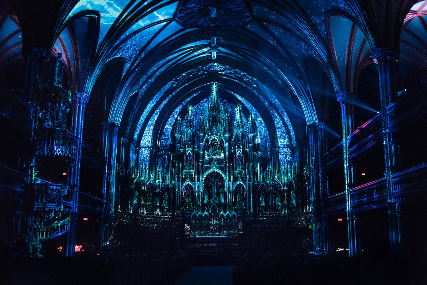 Lights Montreal Aura Lights Up Montreal At Notre Dame Basilica