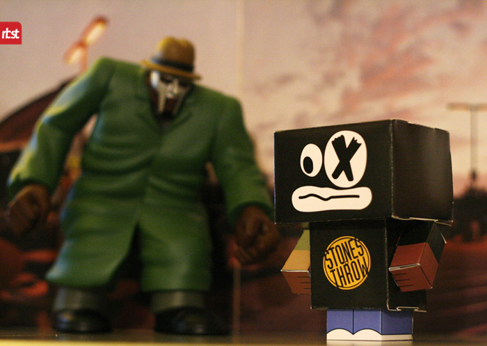 Papercraft: RBST x Cubeecraft MF DOOM (KMD) w/Removable Mask (2/6)