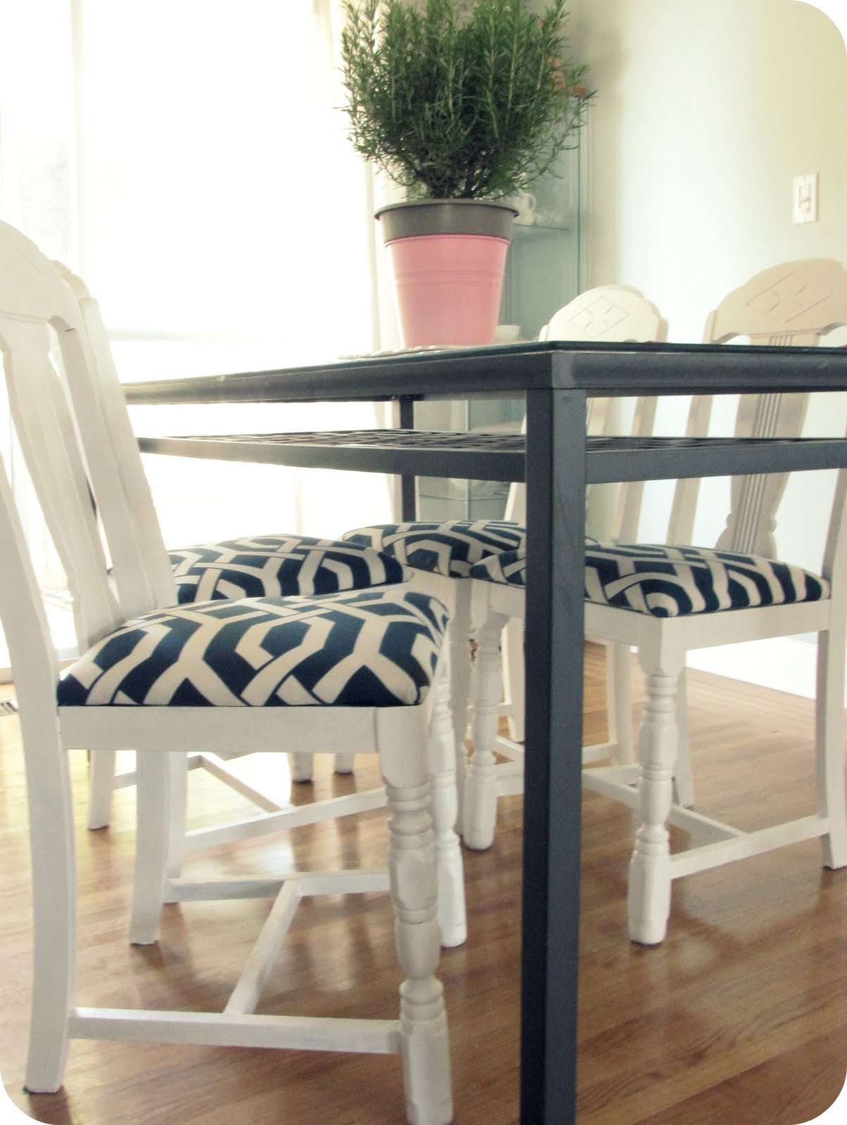 Monochrome Chic In The Kitchen Roberts Furniture