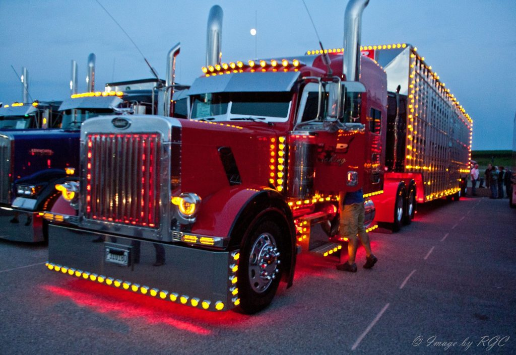 Lit Quotes Wallpaper Semi Truck Customization Guide Paint Lights Fenders
