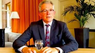 De voormalige burgemeester van Den Helder Koen Schuiling is de nieuwe burgemeester van Groningen (foto Oog TV)