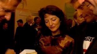 Paul Schnabel heeft aan Joost de Gouden Ganzeveer uitgereikt in het Concertgebouw 2008, bij elkaar, van links naar rechts Harald Vlugt, Sandra Derks, Koos Dalstar & Joost Zwagerman (foto Facebook)