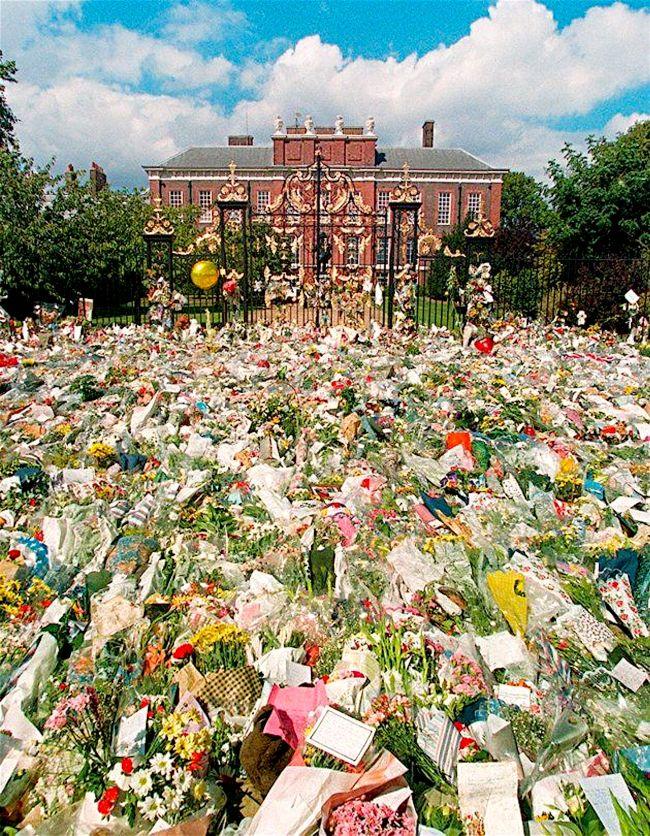 Mourning Princess Diana (foto Pinterest)