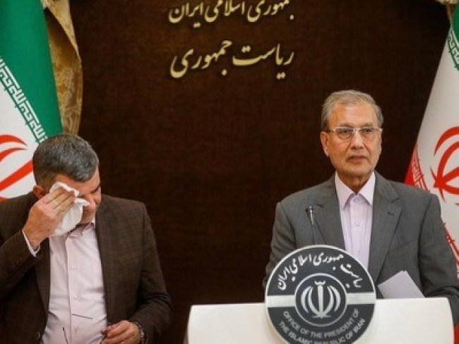 During a press conference on Corona Virus, the Iranian Deputy Minister of Health, Iraj Harirchi, appeared contaminated