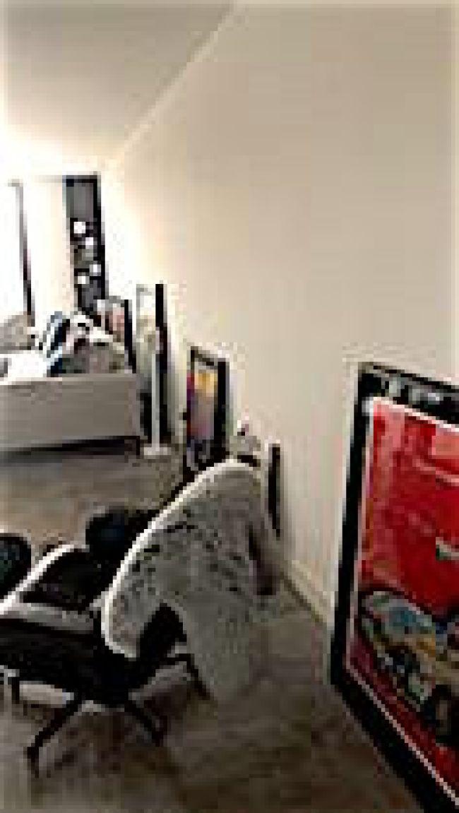 Klashorst werk bij Astrid Zangirolami in huis (foto facebook)